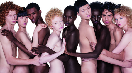 Benetton lanza la primera campaña de moda sin ropa, todo un llamamiento a la diversidad