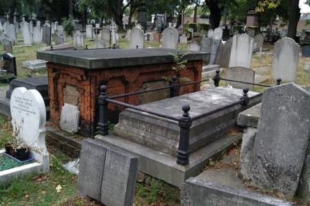 Thackeray Grave Kensal Green Cemetery 16aug2006