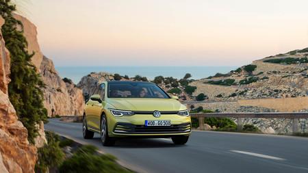 El Volkswagen Golf 8 va a llegar un poco más tarde: se retrasa por problemas con la llamada de emergencia