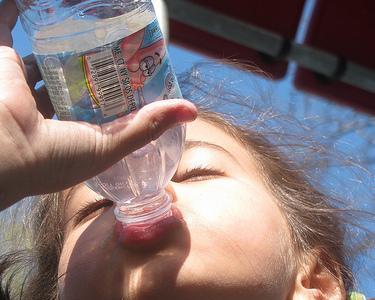 La importancia de mantener al niño hidratado