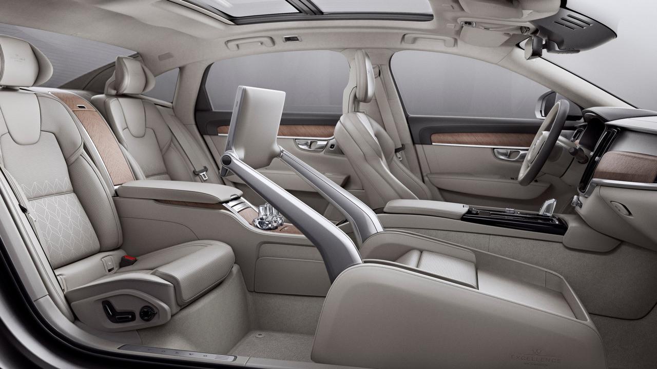 Volvo S90 y S90 Excellence