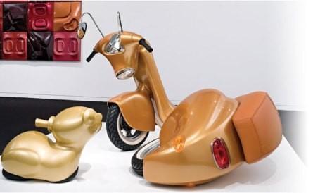 Scooters transformados en arte