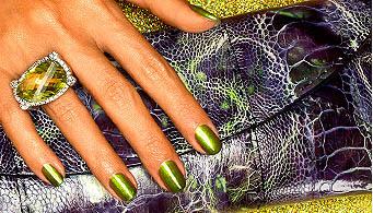 Laca de uñas verde