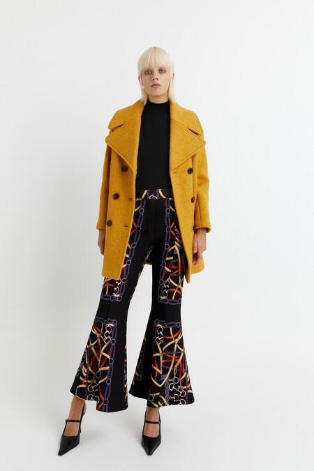 https://www.sfera.com/es/rebajas-mujer/abrigos-y-chaquetas/abrigo-lana-solapa-966011e/04239/