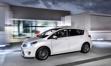 Toyota Verso 2013 02