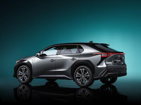 Toyota promete que la batería del bZ4X mantendrá el 90% de su capacidad inicial ¡durante 10 años!
