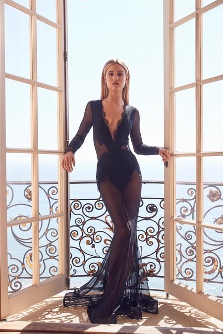 Ahora tienes la oportunidad de vestir como una estrella de Hollywood por muchísimo menos: Michael Costello x Revolve