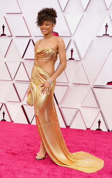 Vestidos Dorados Oscar 2021 andra day