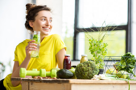 Ni detox, ni dietas milagro: la mejor dieta para ti es la que te genera adherencia