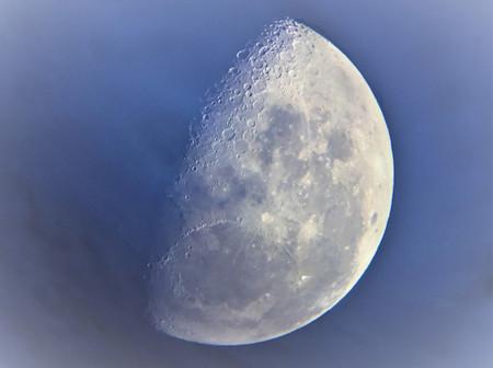 Van Eyck S Moon