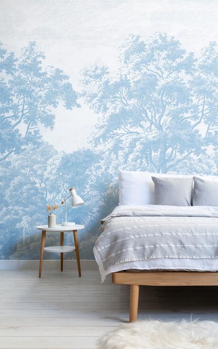 Purist Blue Papel Pintado Con Bosque Azul En Aguafuerte Lifestyle