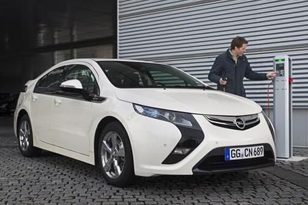 El Opel Ampera carga amperios para llegar a Ginebra