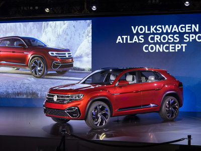 El Volkswagen Atlas de cinco plazas se llama Cross Sport y además es un híbrido enchufable