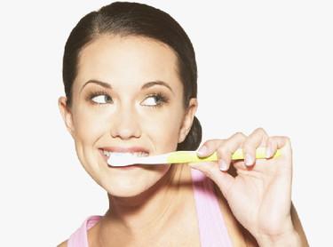 Problemas de las encías durante el embarazo y parto prematuro