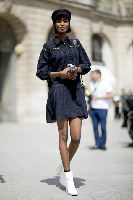 Como Combinar Un Vestido Azul Marino 16