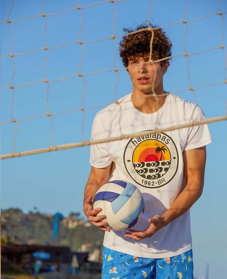 Havaianas Debuta Su Primera Coleccion De Camisetas Y Shorts Para El Veraniego Look De Temporada