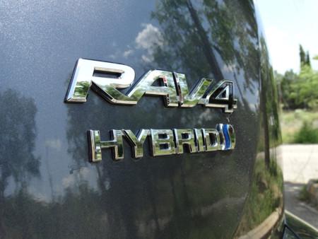 Prueba Toyota Rav4 Hybrid Detalles Exteriores marca