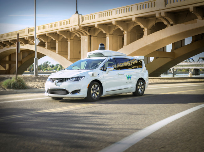 Waymo One, el primer servicio de movilidad autónoma, comenzó a funcionar oficialmente en Arizona