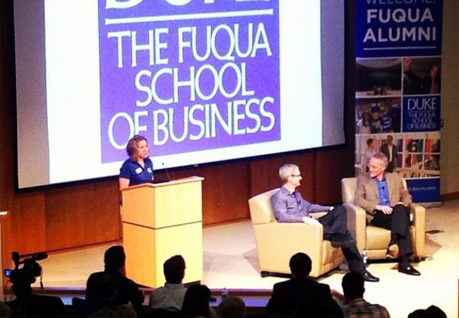 tim cook duke universidad charla fuqua