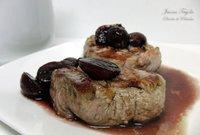 Solomillo de cerdo con salsa de vino y uvas. Receta