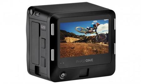 Phase One ha presentado su nuevo respaldo digital IQ250 con sensor CMOS de 50 Mpx