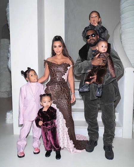 Kim Kardashian Navidad 2019 02