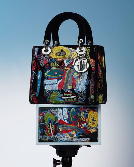 Los bolsos Lady Dior se reinventan con piezas que son puro arte