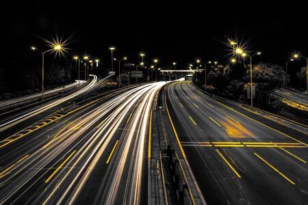 Unos ladrones atracan un camión en plena autopista lleno de productos de Apple por valor de 5,5 millones de euros