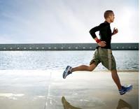 ¿Se adelgaza más corriendo o andando ligero?