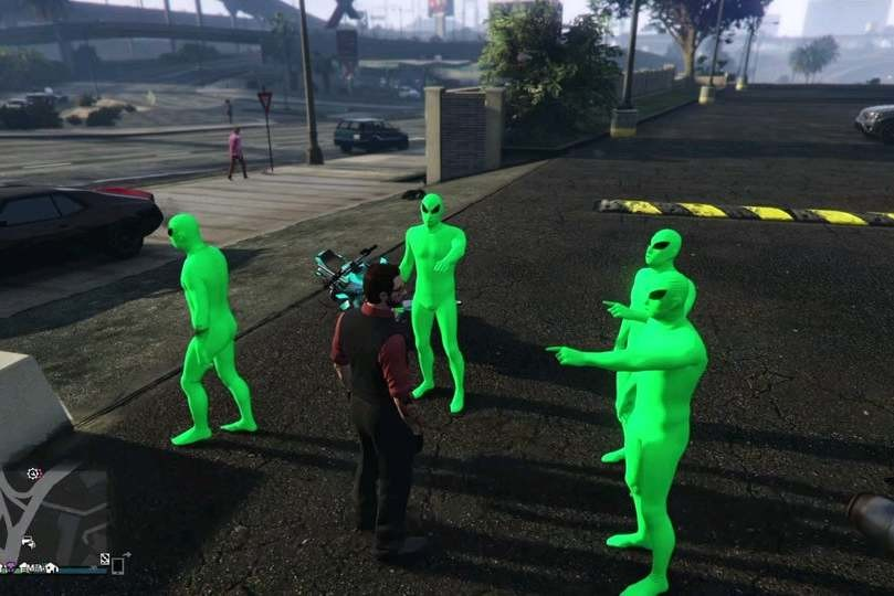 A Los Jugadores De Gta Online Les Ha Dado Por Disfrazarse De Aliens Y Liarla En Furgoneta Por Las Calles De Los Santos