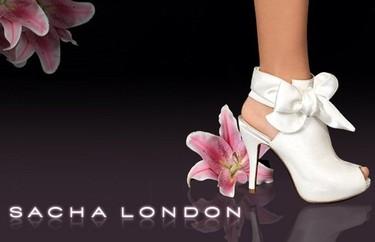 Sacha London novias: luce cómoda y sofisticada