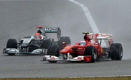 Carrerón para emmarcar en Shanghai. Bandera a cuadros GP de China 2010