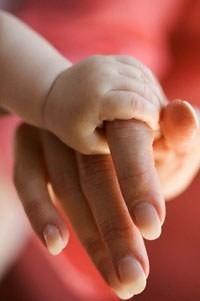 Los bebés que nacen con bajo peso y en la infancia son obesos, tienen mayor riesgo de sufrir enfermedades cardiovasculares