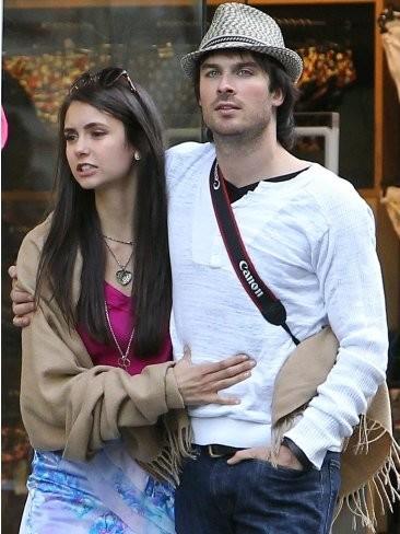 Ian Somerhalder y Nina Dobrev, tórtolos parisinos... con carabinas