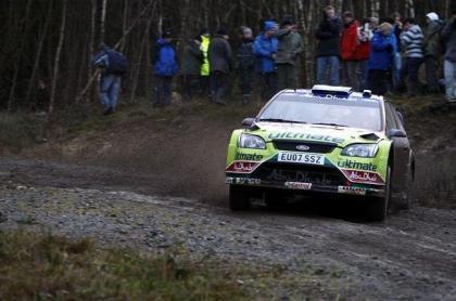 Jari-Matti Latvala líder tras la primera parte de la segunda etapa