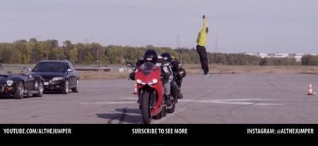 Al, el saltador, o como saltar dos motos a la vez