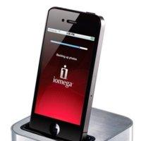 Iomega SuperHero Backup & Charger, carga y mantiene seguro tus datos