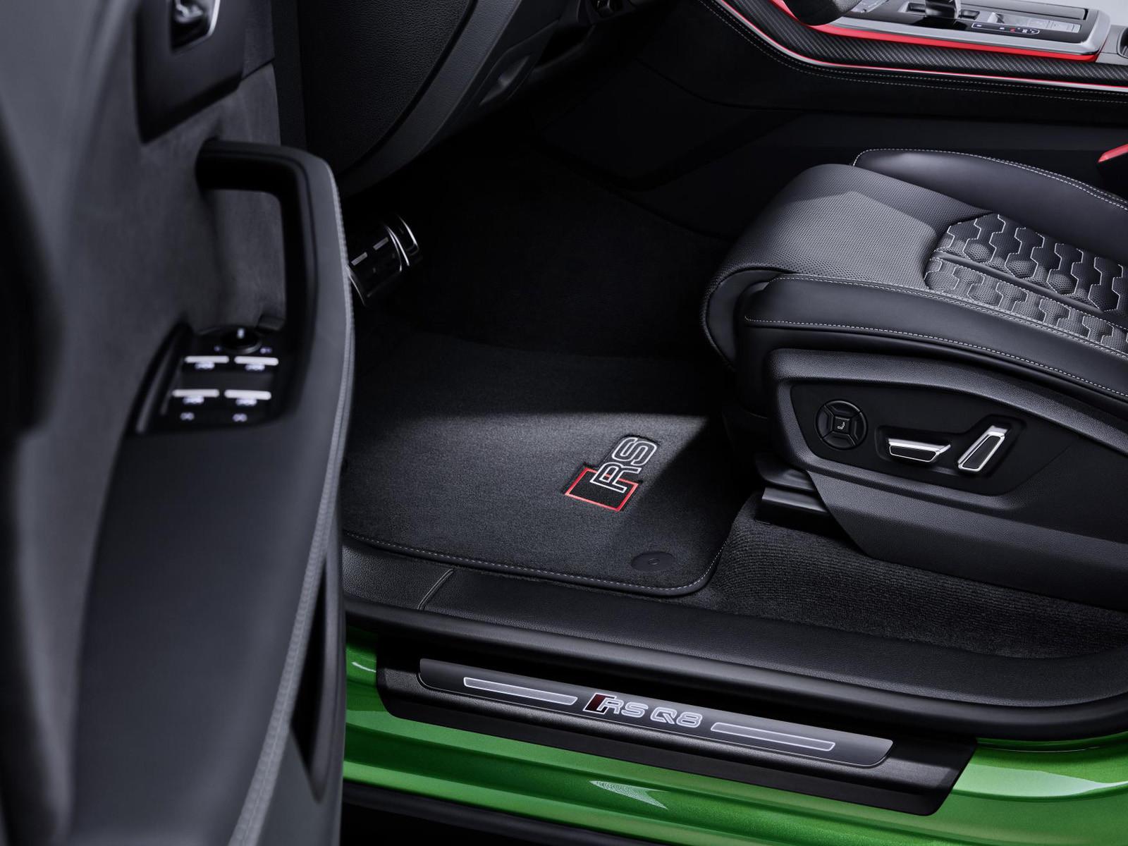 Foto de Audi RS Q8 2020 (21/47)