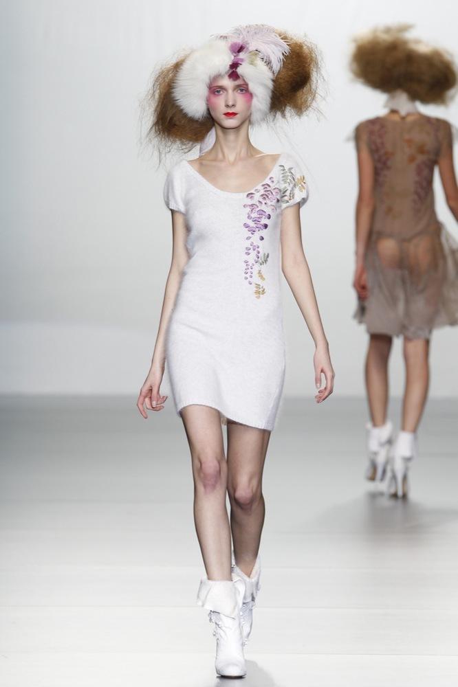 Foto de Elisa Palomino en la Cibeles Madrid Fashion Week Otoño-Invierno 2011/2012 (15/30)