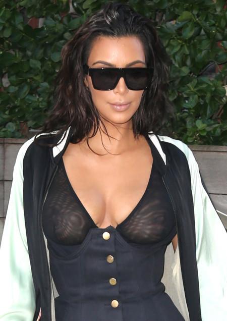 ¿Son las mallas deportivas la nueva prenda it? Kim Kardashian dice sí con un muy transparente look sporty