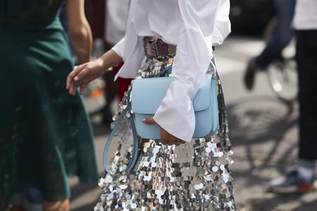 Deslumbrar con tu look de invitada es posible y estos vestidos (de lentejuelas) son la clave del éxito