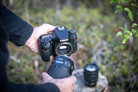 Canon desmiente que vaya a abandonar la popular montura EF de sus cámaras réflex