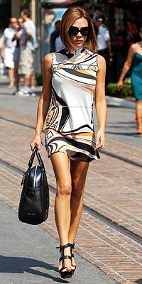 Victoria Beckham, de Pucci pre-fall 2008, se vuelve mod