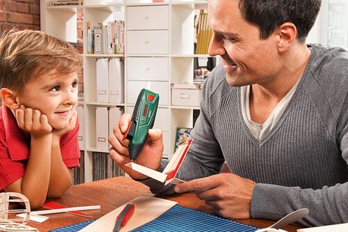 Chollo en el lápiz de pegamento termofundible a batería Bosch DIY GluePen, ideal para manualidades navideñas: rebajado a 17,90 euros en Amazon