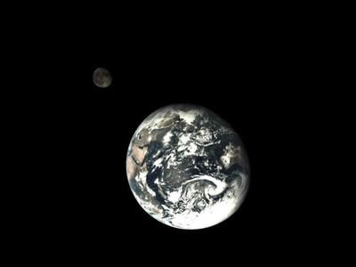 Una nave espacial china ha tomado dos fotografías impresionantes de la Tierra y la Luna desde el espacio