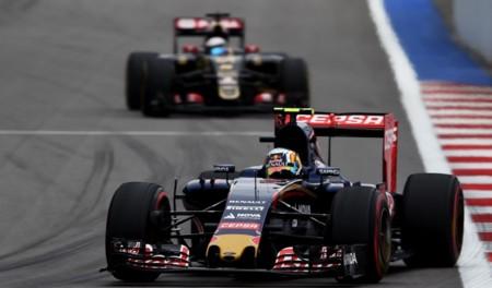 Carlos Sainz Toro Rosso Vs Lotus F1 2015