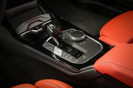 BMW Serie 1 2020 consola de mandos