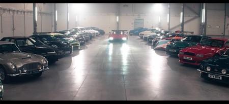 Este video te permitirá admirar 76 millones de Libras rodando por la fábrica de Aston Martin en Gales