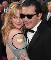 Melanie Griffith se maquilla el tatuaje de Antonio, ¿cutrez, falta de tiempo o 'por si acaso'?