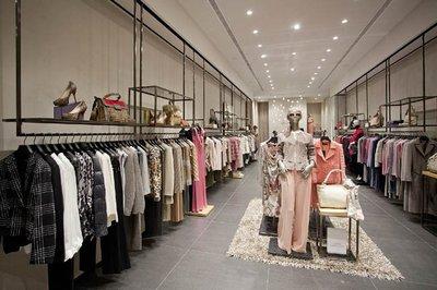 Escada inaugura un nuevo concepto de boutique en Palma de Mallorca